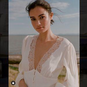Aritzia Wilfred Romance Me Blouse/ Lace white
